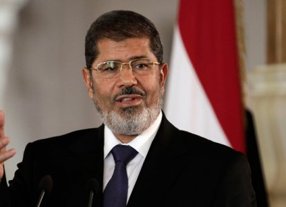Morsi warms to Mubarak-era business elite